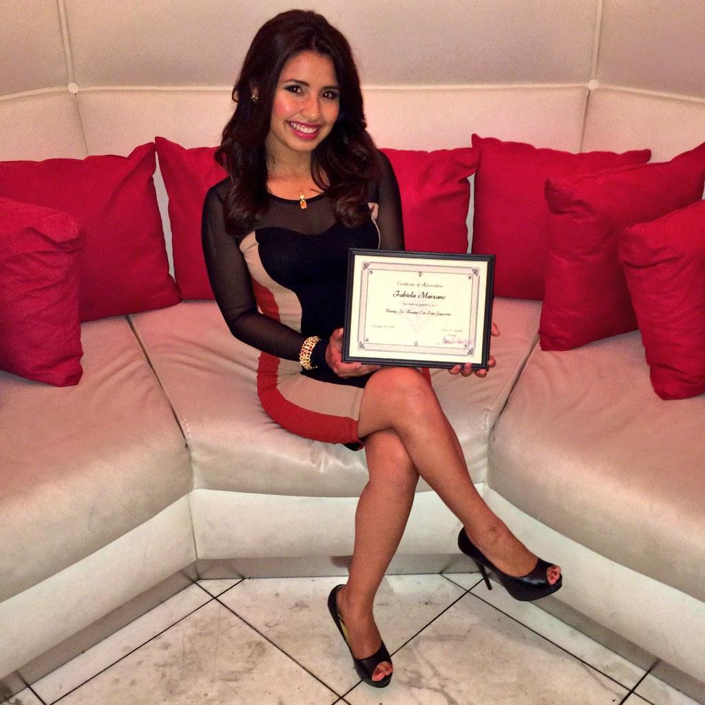 Fabiola_with_CertificateofAppreciation_BIBOTourLasVegas2014